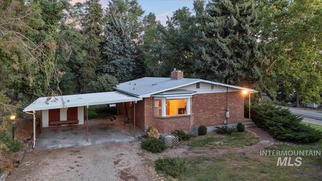 5920 W Hill Rd, Boise, ID 83703 (MLS #98820255) :: Story Real Estate