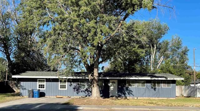 1025 N 7th E, Mountain Home, ID 83647 (MLS #98820298) :: The Bean Team