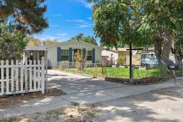 811 S Hayes Avvenue, Emmett, ID 83617 (MLS #98820346) :: Minegar Gamble Premier Real Estate Services