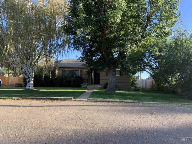 605 9th Ave East, Gooding, ID 83330 (MLS #98820351) :: Hessing Group Real Estate