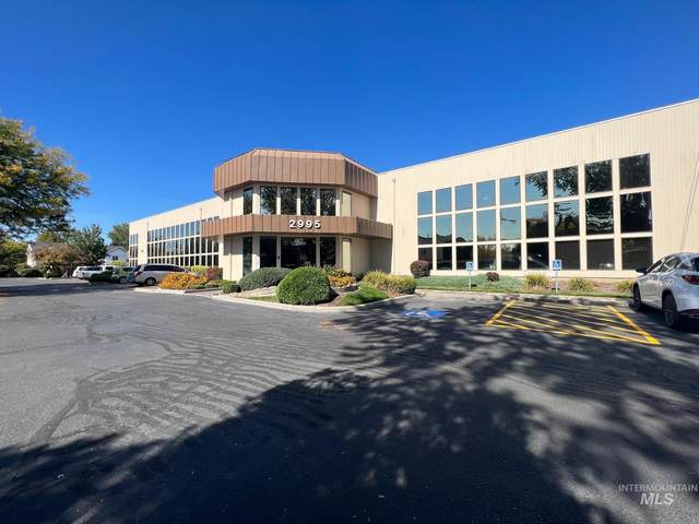 2995 N Cole Rd, Boise, ID 83704 (MLS #98820502) :: Idaho Life Real Estate
