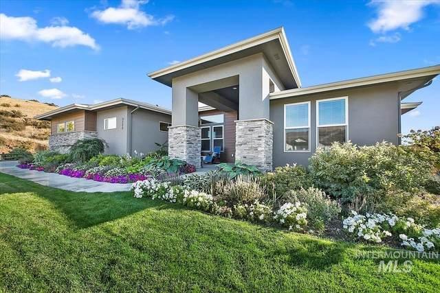 3725 W Sage Creek Dr, Boise, ID 83714 (MLS #98820721) :: Idaho Life Real Estate