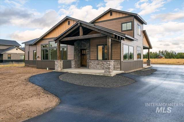 13158 Hawks Bay Road, Donnelly, ID 83615 (MLS #98820769) :: Epic Realty