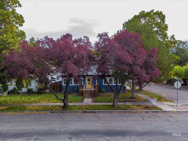 390 S 3rd E, Mountain Home, ID 83647 (MLS #98821317) :: Juniper Realty Group