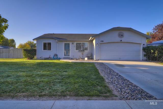 1729 Chicago St, Nampa, ID 83686 (MLS #98821447) :: First Service Group