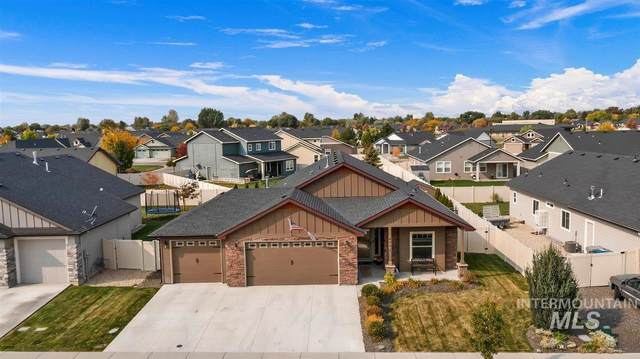 4203 S Lava Springs Loop, Nampa, ID 83686 (MLS #98821490) :: Idaho Life Real Estate
