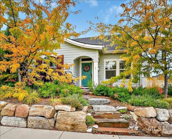 3664 E Warm Springs Ave., Boise, ID 83716 (MLS #98821970) :: Team One Group Real Estate