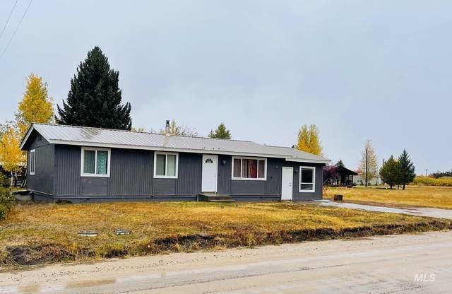 347 W Sage Ave, Fairfield, ID 83327 (MLS #98822010) :: Minegar Gamble Premier Real Estate Services