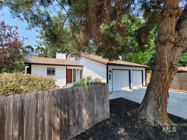 5808 W Battlement Ct, Boise, ID 83703 (MLS #98822022) :: First Service Group