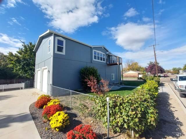 220 S Paradise, Middleton, ID 83644 (MLS #98822159) :: Minegar Gamble Premier Real Estate Services