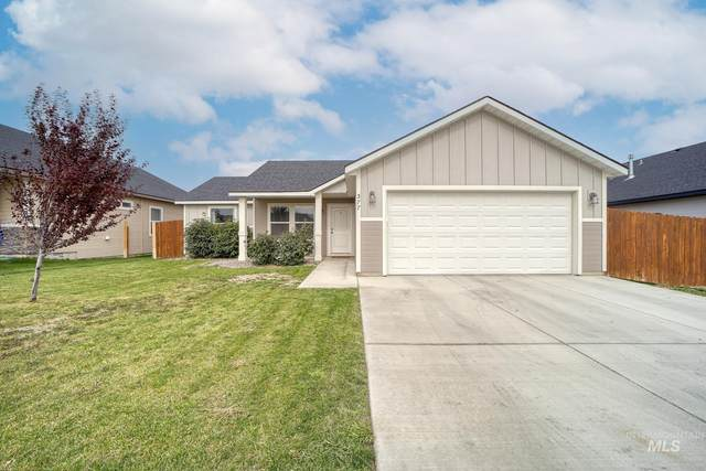 377 Feather Ave, Twin Falls, ID 83301 (MLS #98822460) :: Hessing Group Real Estate