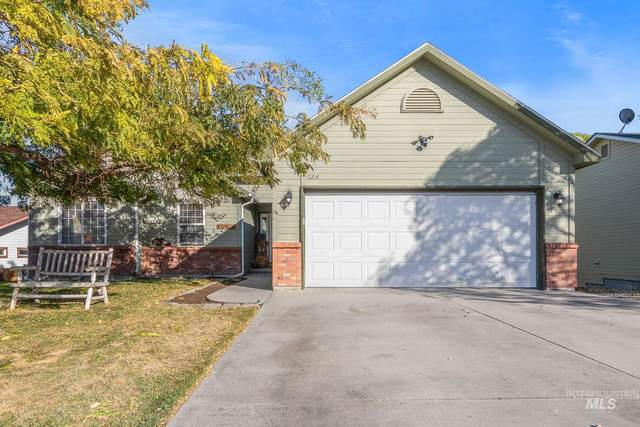 2214 S Ivy St, Nampa, ID 83686 (MLS #98822505) :: Epic Realty