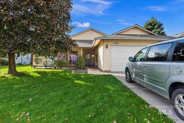 1745 E Oakcrest, Meridian, ID 83646 (MLS #98822515) :: Idaho Life Real Estate