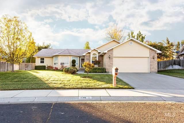 2316 Hillcrest Drive, Twin Falls, ID 83301 (MLS #98822611) :: Bafundi Real Estate