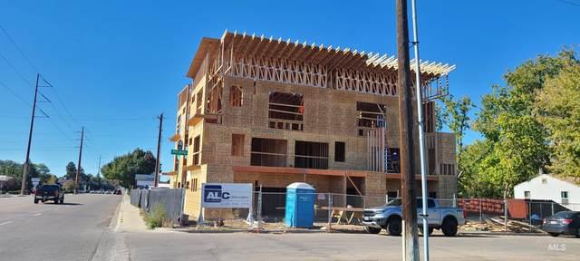4002 W Overland, Boise, ID 83705 (MLS #98822770) :: Idaho Real Estate Advisors