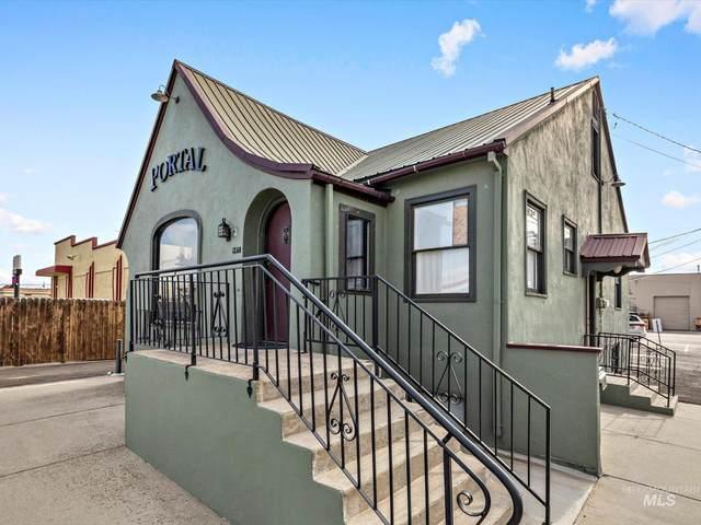 407 S 9th Ave, Caldwell, ID 83605 (MLS #98822773) :: Idaho Life Real Estate