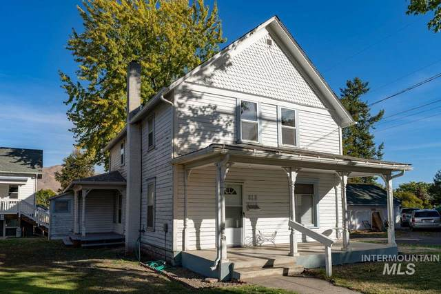 800 Sycamore Street, Clarkston, WA 99403 (MLS #98822860) :: Beasley Realty