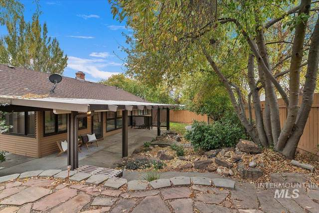 242 Northview Dr., Eagle, ID 83616 (MLS #98822877) :: Jon Gosche Real Estate, LLC