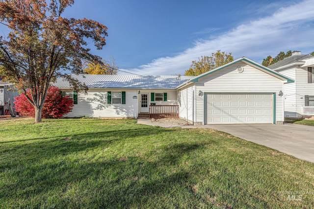808 E Park Street, Weiser, ID 83672 (MLS #98822887) :: Jon Gosche Real Estate, LLC