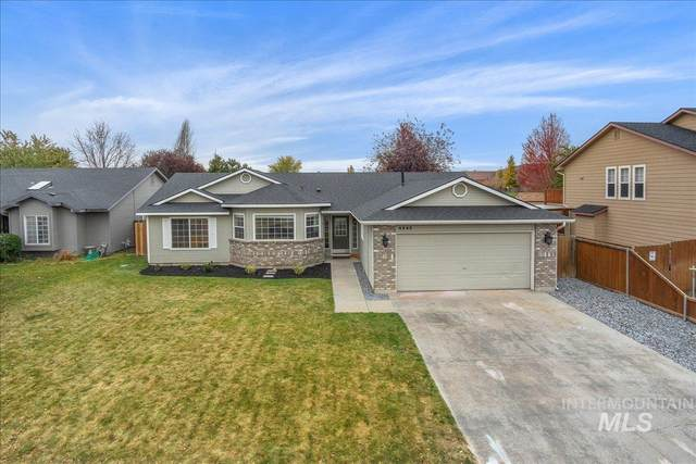 4243 E Driftwood Dr., Meridian, ID 83642 (MLS #98822951) :: Team One Group Real Estate