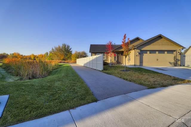833 Baron Lakes Ave., Middleton, ID 83644 (MLS #98822986) :: Build Idaho