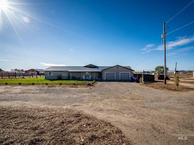 9901 W Kuna, Kuna, ID 83634 (MLS #98823088) :: Full Sail Real Estate