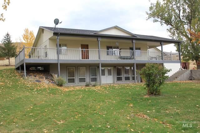 365 Pioneer Rd., Horseshoe Bend, ID 83629 (MLS #98823201) :: Silvercreek Realty Group