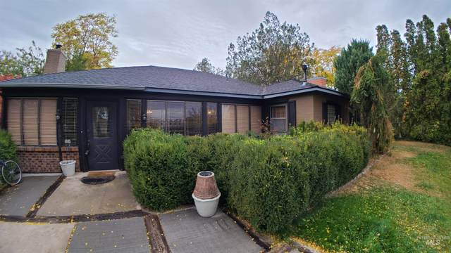 885 S Park Blvd, Ontario, OR 97914 (MLS #98823234) :: Team One Group Real Estate