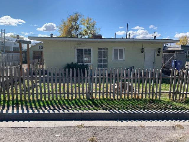 1071 2nd Ave W, Twin Falls, ID 83301 (MLS #98823244) :: Boise River Realty