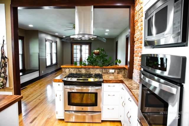2302 E Beech, Caldwell, ID 83605 (MLS #98823285) :: Jon Gosche Real Estate, LLC