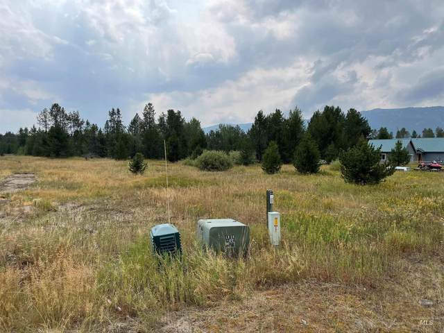 163 Meadow Pl, Donnelly, ID 83615 (MLS #98823297) :: Boise River Realty