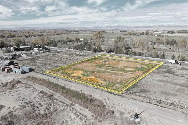 1817 E 1750 S, Gooding, ID 83330 (MLS #98823315) :: Minegar Gamble Premier Real Estate Services