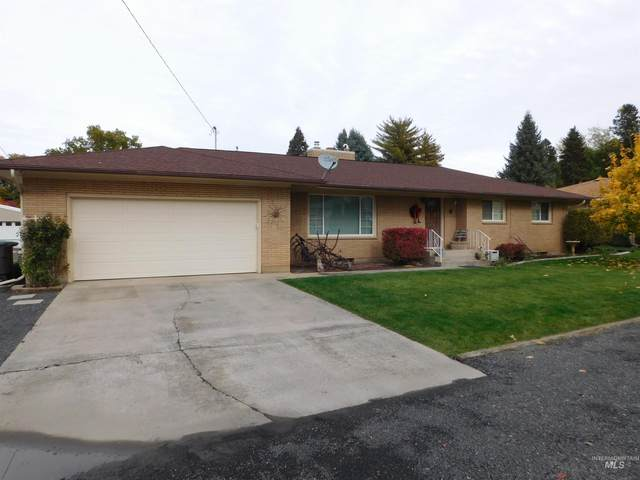 427 Linden Drive, Lewiston, ID 83501 (MLS #98823444) :: Minegar Gamble Premier Real Estate Services