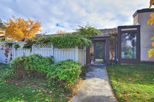 9826 W Westview Drive, Boise, ID 83704 (MLS #98823645) :: City of Trees Real Estate