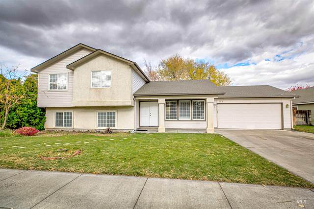 130 War Eagle Dr, Mountain Home, ID 83647 (MLS #98823646) :: City of Trees Real Estate