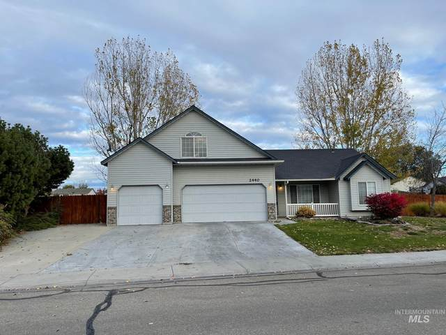 2440 S Bluegrass Dr, Nampa, ID 83686 (MLS #98823706) :: Boise River Realty