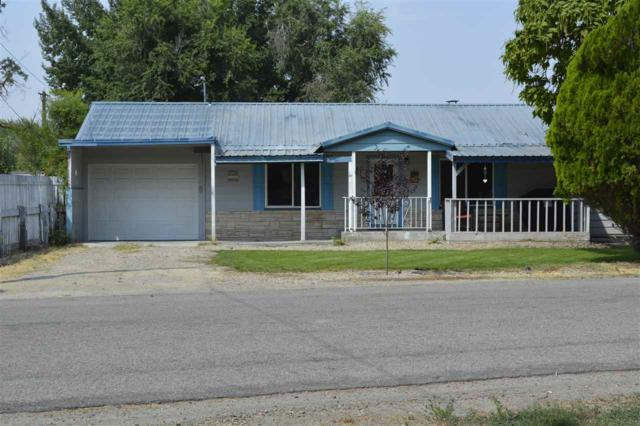 684 S Park St, Payette, ID 83661 (MLS #98667264) :: Zuber Group