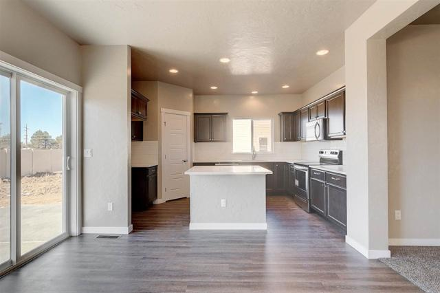 147 S Baraya Way, Meridian, ID 83642 (MLS #98672480) :: Boise River Realty