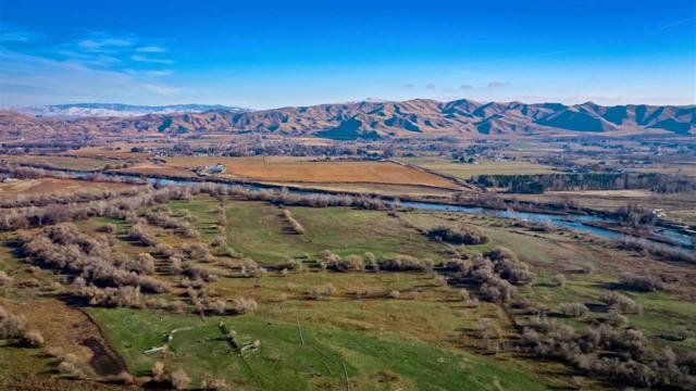 822 E Idaho Blvd, Emmett, ID 83617 (MLS #98677706) :: Jon Gosche Real Estate, LLC