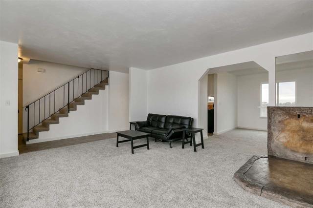 9641 Hoff, Garden City, ID 83714 (MLS #98685194) :: Broker Ben & Co.