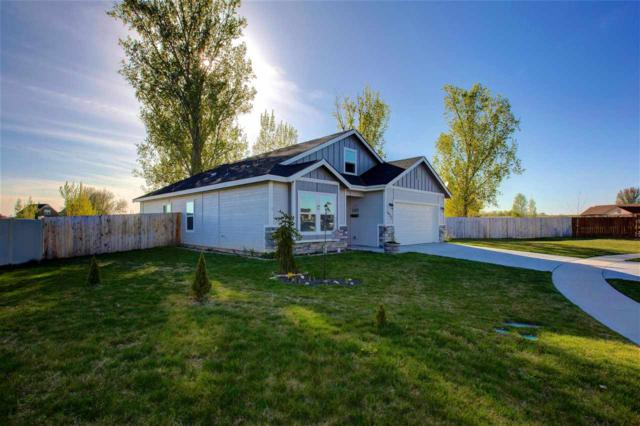 1933 White Pine Drive, Middleton, ID 83644 (MLS #98689756) :: Boise River Realty