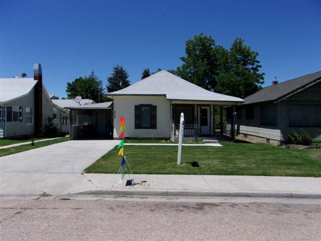 215-217 24th Ave. S, Nampa, ID 83686 (MLS #98697265) :: Boise River Realty