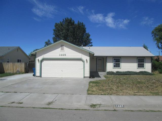 1445 N Haskett St., Mountain Home, ID 83647 (MLS #98698082) :: Zuber Group