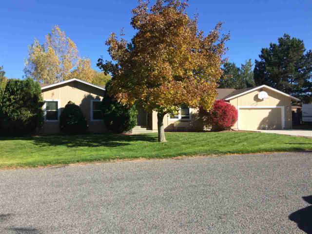 3220 Spring Creek Dr, Twin Falls, ID 83301 (MLS #98700901) :: Jon Gosche Real Estate, LLC