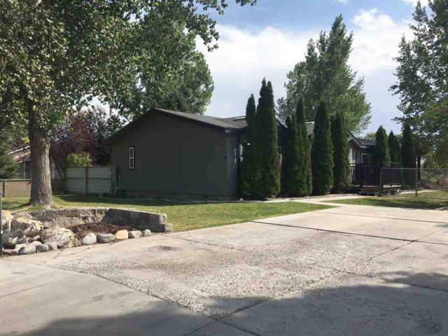 847 Robbins Avenue West, Twin Falls, ID 83301 (MLS #98702069) :: Jon Gosche Real Estate, LLC