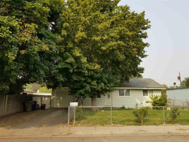 880 S 13th East, Mountain Home, ID 83647 (MLS #98704436) :: Boise River Realty