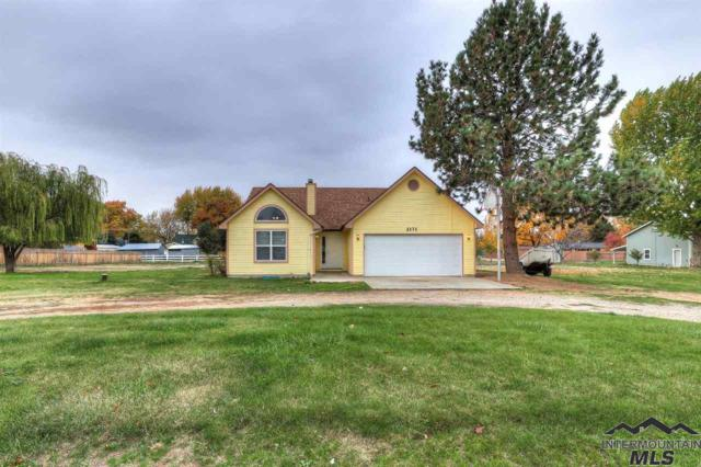 2171 Haw Creek Circle, Emmett, ID 83617 (MLS #98711431) :: Full Sail Real Estate