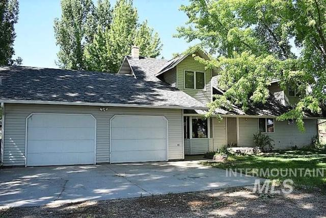 716 NW 10 Th Ave, Payette, ID 83661 (MLS #98713856) :: New View Team