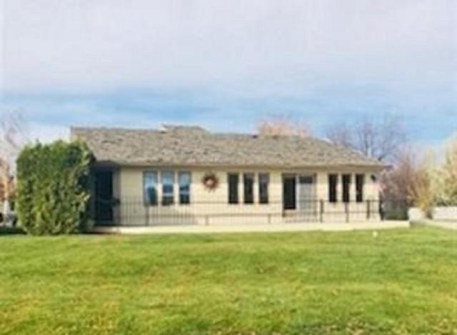10 Meadowbrook Loop, Burley, ID 83318 (MLS #98714778) :: Team One Group Real Estate