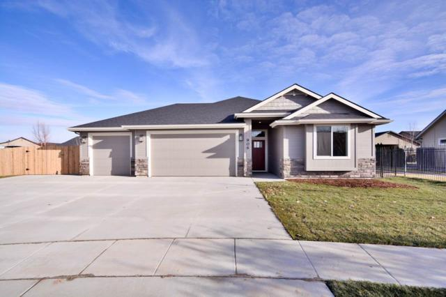 906 S Spring Valley Dr, Nampa, ID 83686 (MLS #98715037) :: Team One Group Real Estate